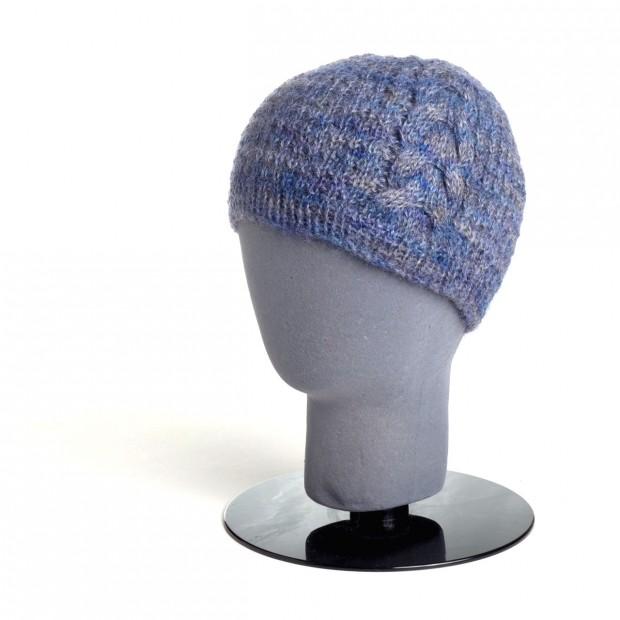 blue-cable-hat